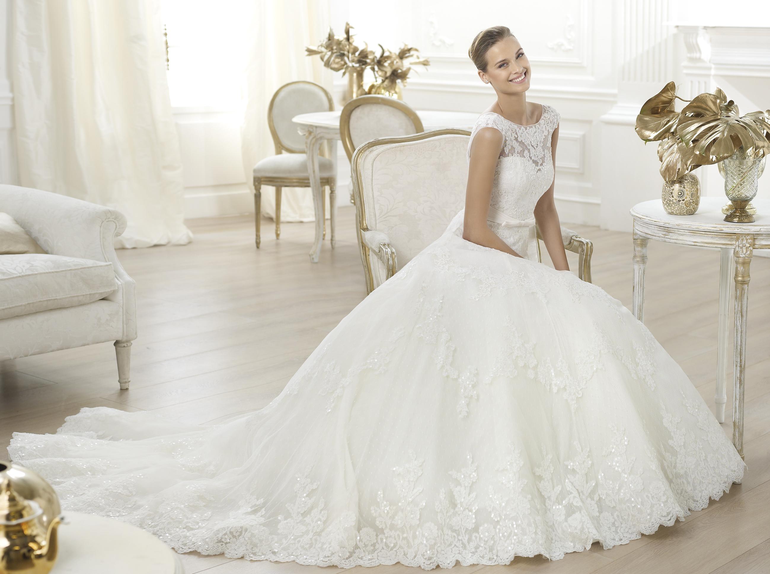 Cвадебный портал Черновцов представляет Все свадебные платья в категории Свадебные платья Черновцы. Неотъемлемым элементом свадьбы является